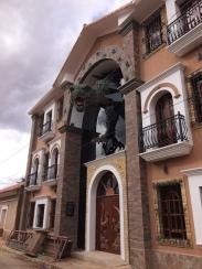 """Das """"Dino-Dorf"""" Torotoro"""